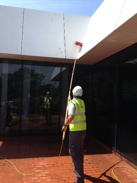 External Extended Window Cleaning